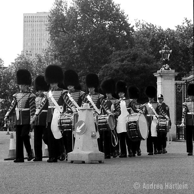 Parade in Front of Buckingham Palace 2005 #HappyBirthdayYourMajesty © Andrea Härtlein